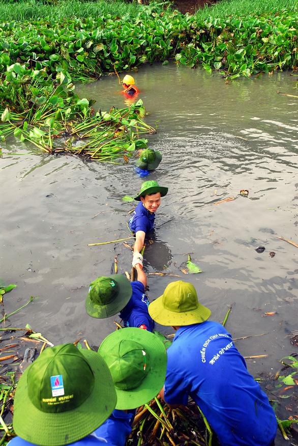 Làm đẹp hơn hình ảnh thanh niên Việt Nam - Ảnh 1.