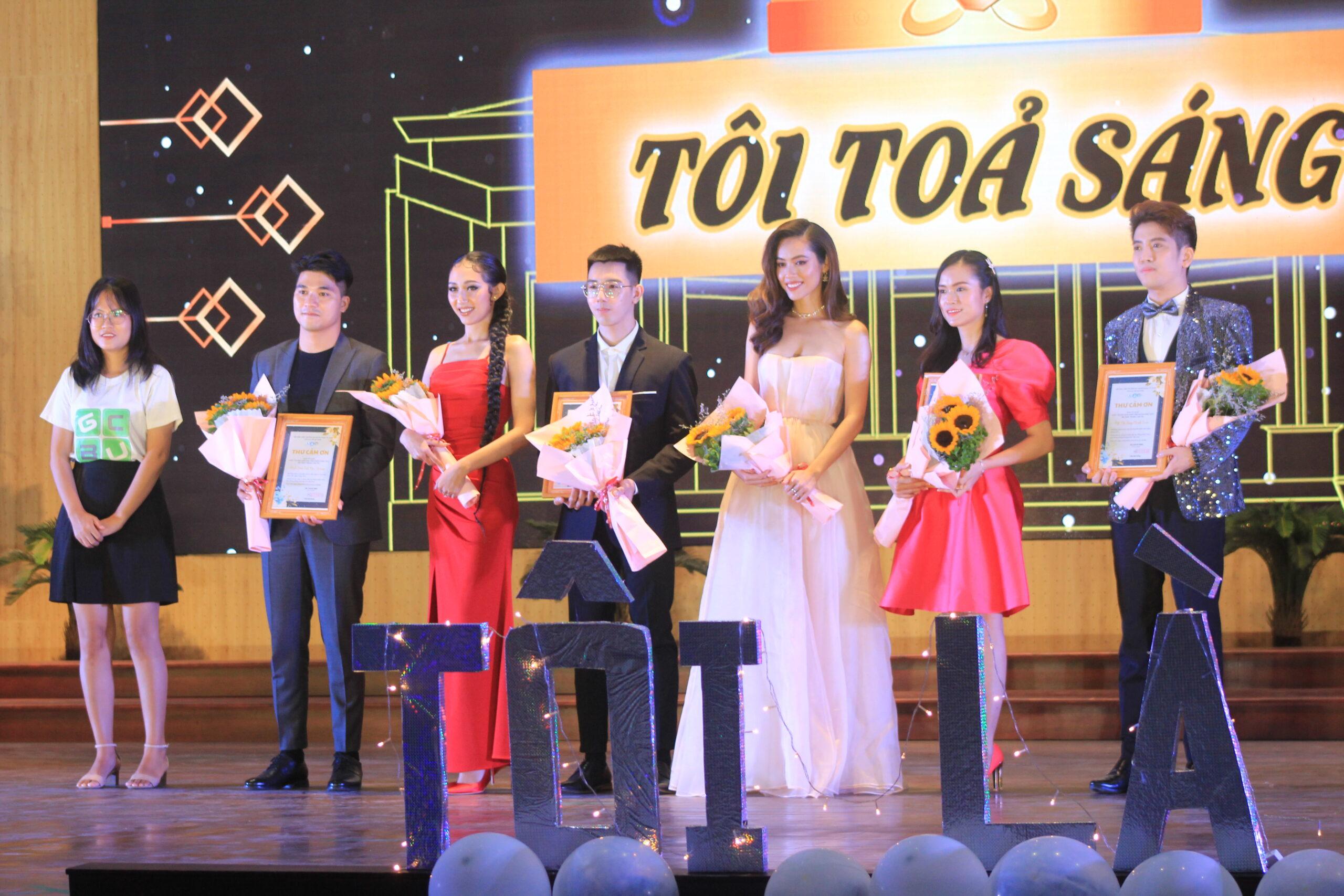 Quý khách mời tham dự đêm Chung kết Hoa khôi Sinh viên Ngân hàng.